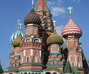 תרגום שירים וסיפורים לרוסית